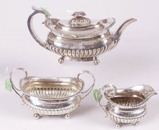 1019: George lV oval shaped three piece tea set with ap