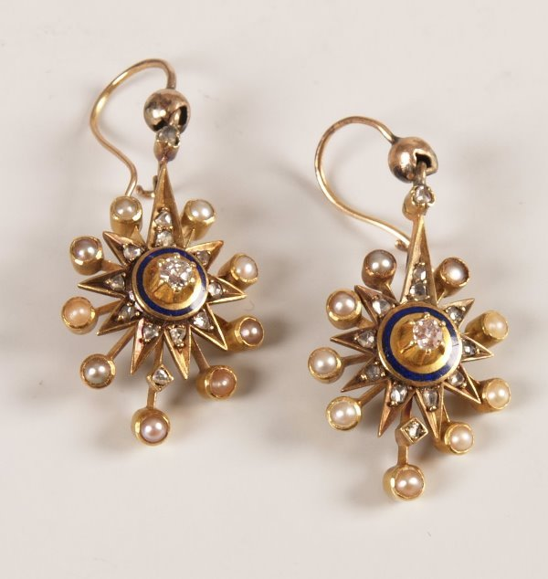7: Pair of diamond and seed pearl dropper earrings in a