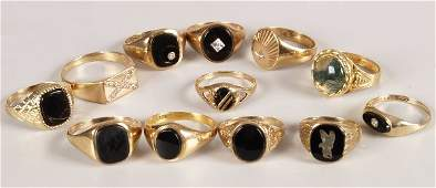 887 A collection of gentlemans signet rings to inclu
