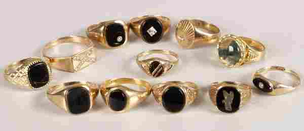 887: A collection of gentleman's signet rings, to inclu