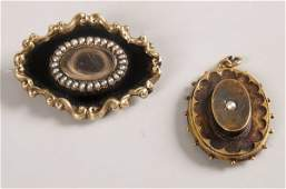 1140 Two items to include a Victorian mourning brooch