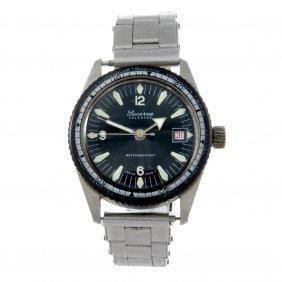 Lucerine - A Gentleman's Stainless Steel Bracelet Watch