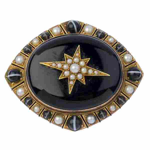 (544045-3-A) A late Victorian gold, split pearl and