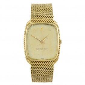 Audemars Piguet - A Gentleman's Bracelet Watch. Yellow