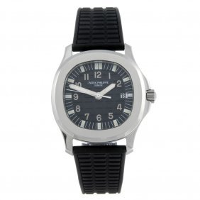 Patek Philippe - A Gentleman's Aquanaut Wrist Watch.
