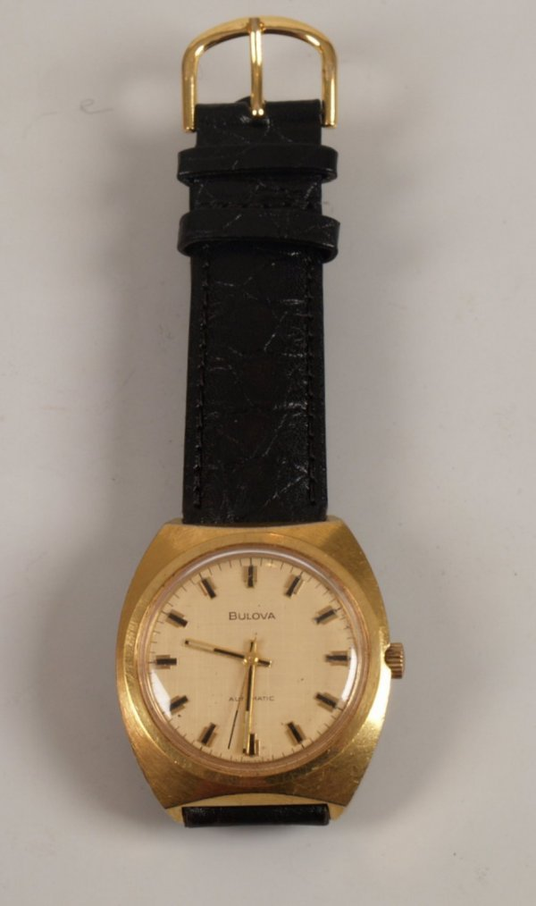 1012: BULOVA - a gentleman's 1970's gold plated case st