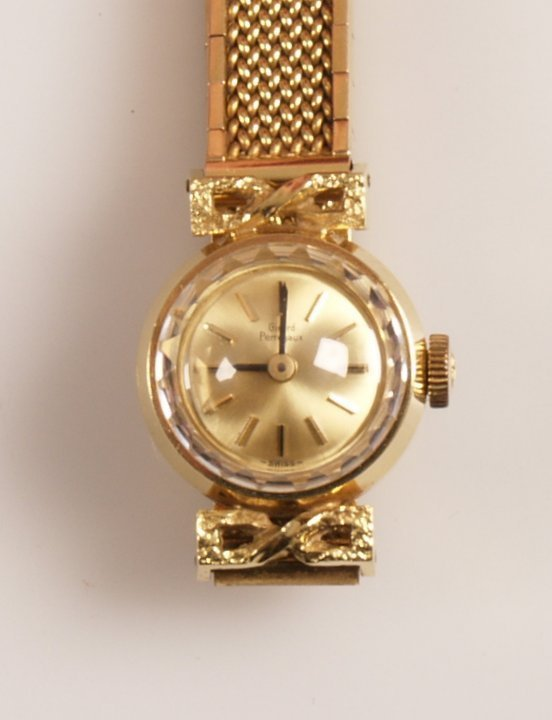1024: GIRARD PERREGAUX - 18ct gold ladies dress watch w