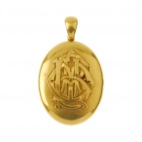 A Late Victorian 18ct Gold Locket, Circa 1880. The