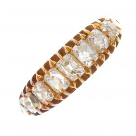 A Late Victorian 18ct Gold Diamond Seven-stone Ring.