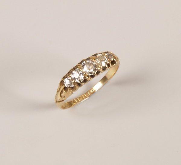 14: Victorian 18ct gold graduated five stone diamond ri