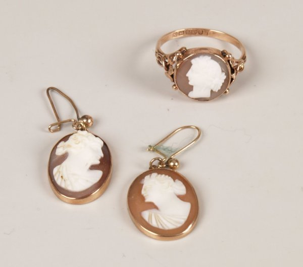 22: Two items of jewellery, to include an Edwardian 9ct