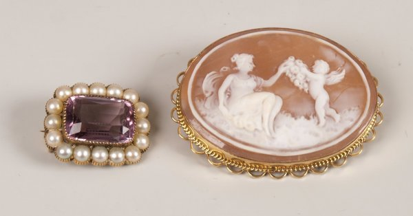 24: Two brooches to include a 9ct gold set cameo brooch