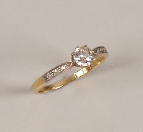"449: ""18ct gold single stone old european cut diamond r"