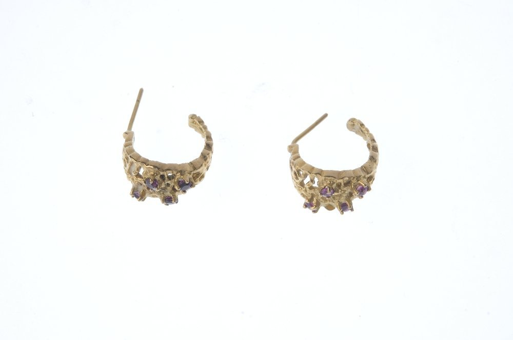 Five pairs of earrings. To include a pair of diamond - 3