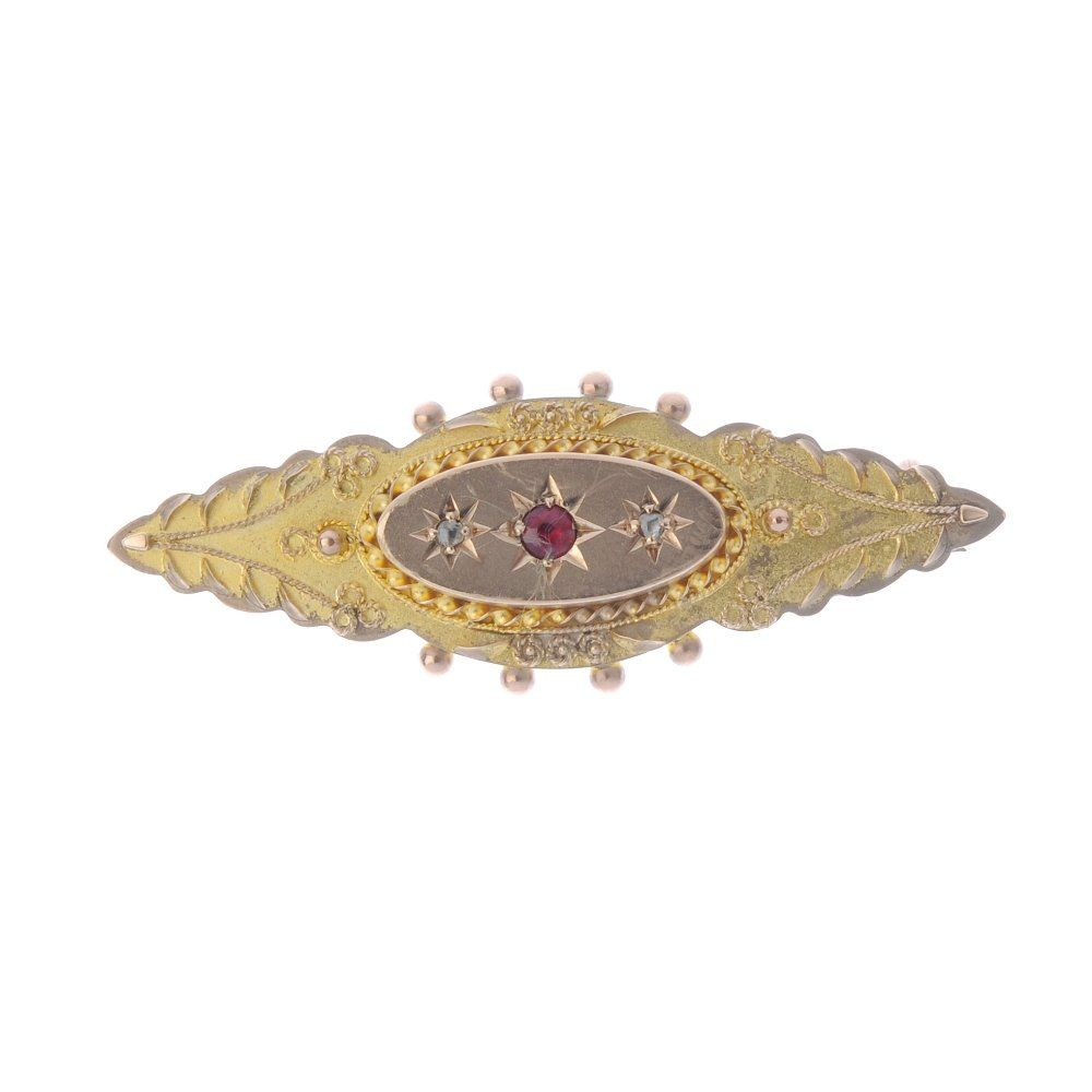 An Edwardian 9ct gold gem-set brooch and pair of