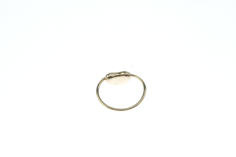 TIFFANY & CO. - a 'bean' ring. The bean, with signature - 3