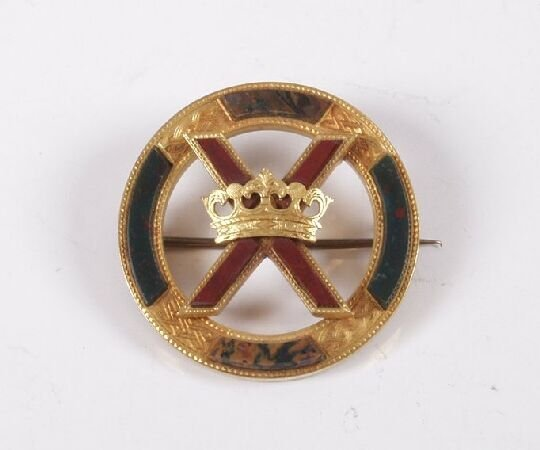 7: Scottish gold agate brooch of circular design with s