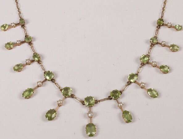18: Edwardian peridot and half pearl fringe necklet, cl