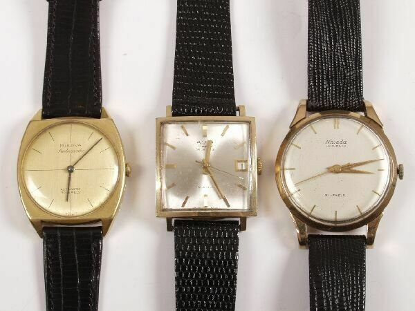 1016: BULOVA - gentleman's 18ct gold Ambassador wristwa