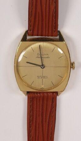 1019: BULOVA - 1960's 18ct gold gentleman's automatic w