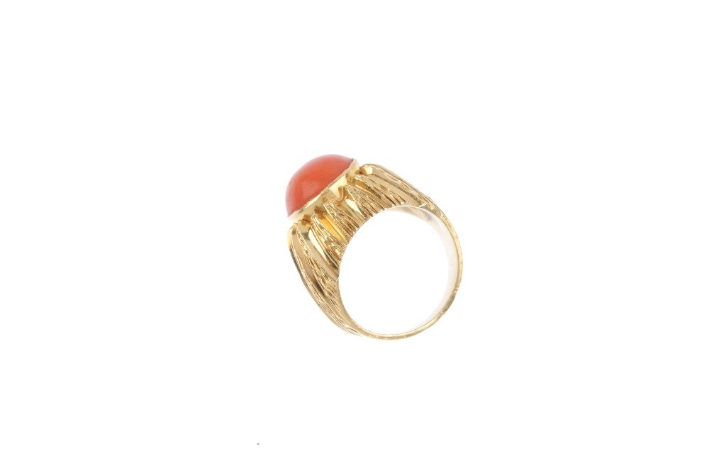 A mid 20th century 18ct gold coral dress ring. The - 2
