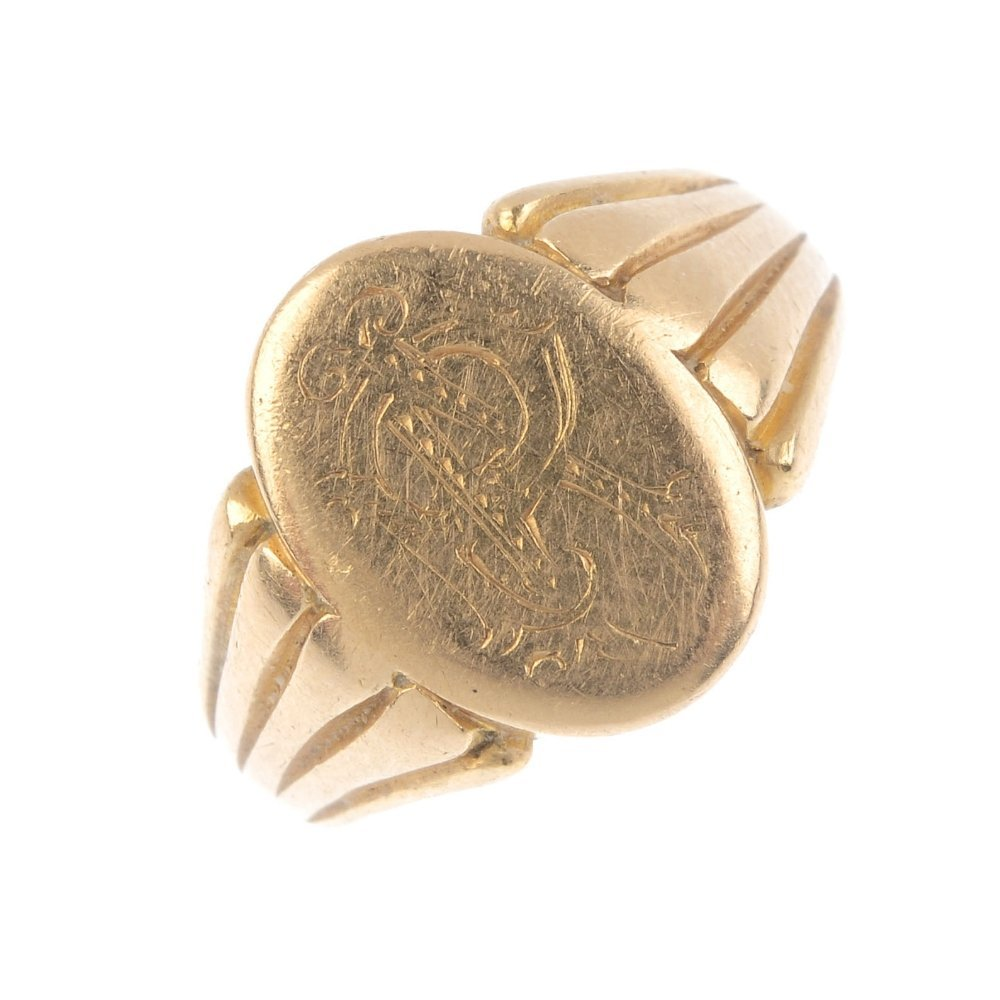 A gentleman's late Victorian 15ct gold signet ring. The