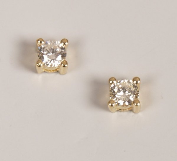 13: Pair of 18ct yellow gold claw set diamond stud earr