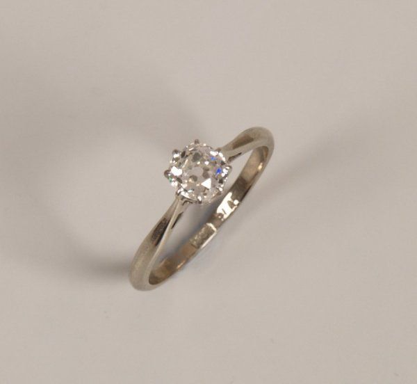 18ct gold single stone old european cut diamond set