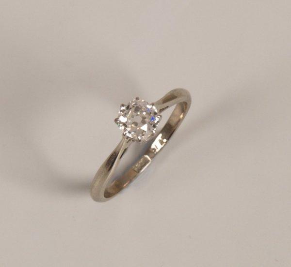20: 18ct gold single stone old european cut diamond set