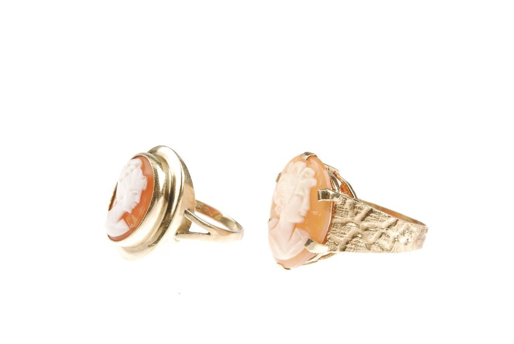Two 9ct gold cameo rings. Both of oval-shape, the shell - 4
