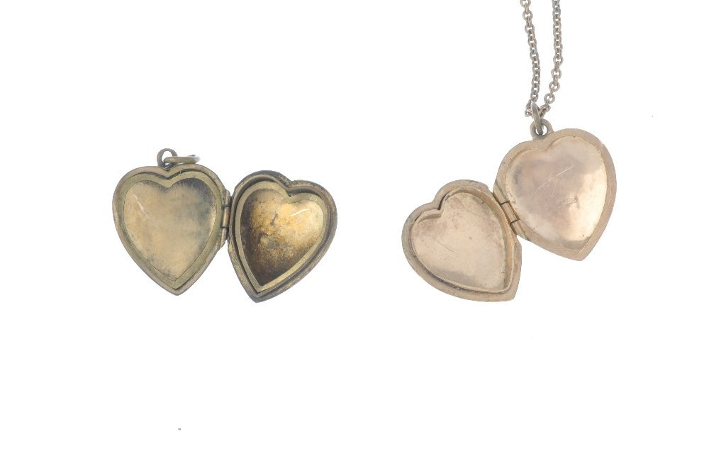 A locket and three 9ct front and back lockets. All of - 3