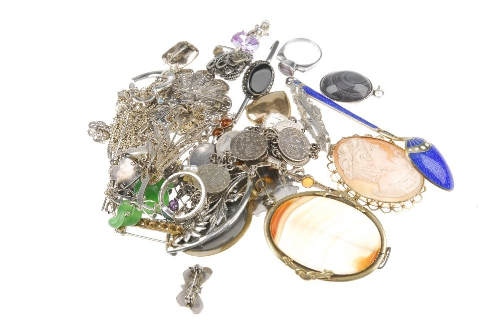 A selection of jewellery. To include an oval agate - 4