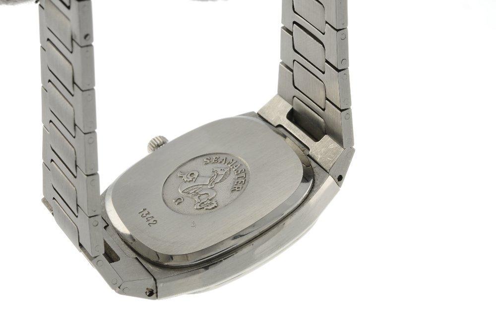 OMEGA - a gentleman's Seamaster bracelet watch. - 2