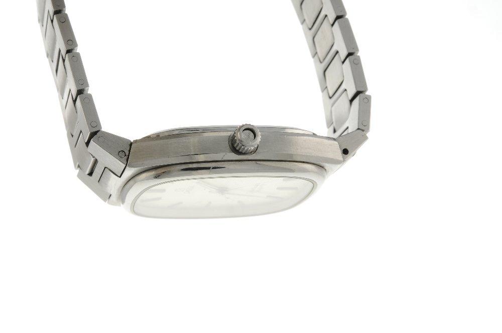 OMEGA - a gentleman's Seamaster bracelet watch. - 3