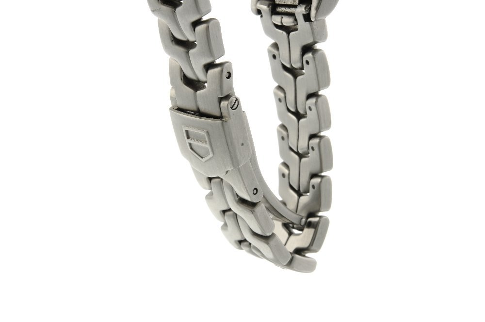 TAG HEUER - a lady's Link bracelet watch. Stainless - 4