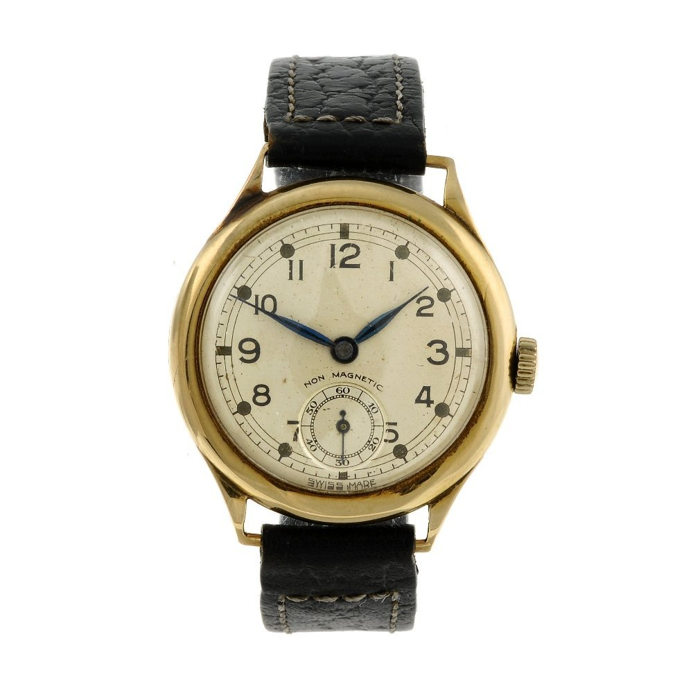 A gentleman's wrist watch. 9ct yellow gold case,