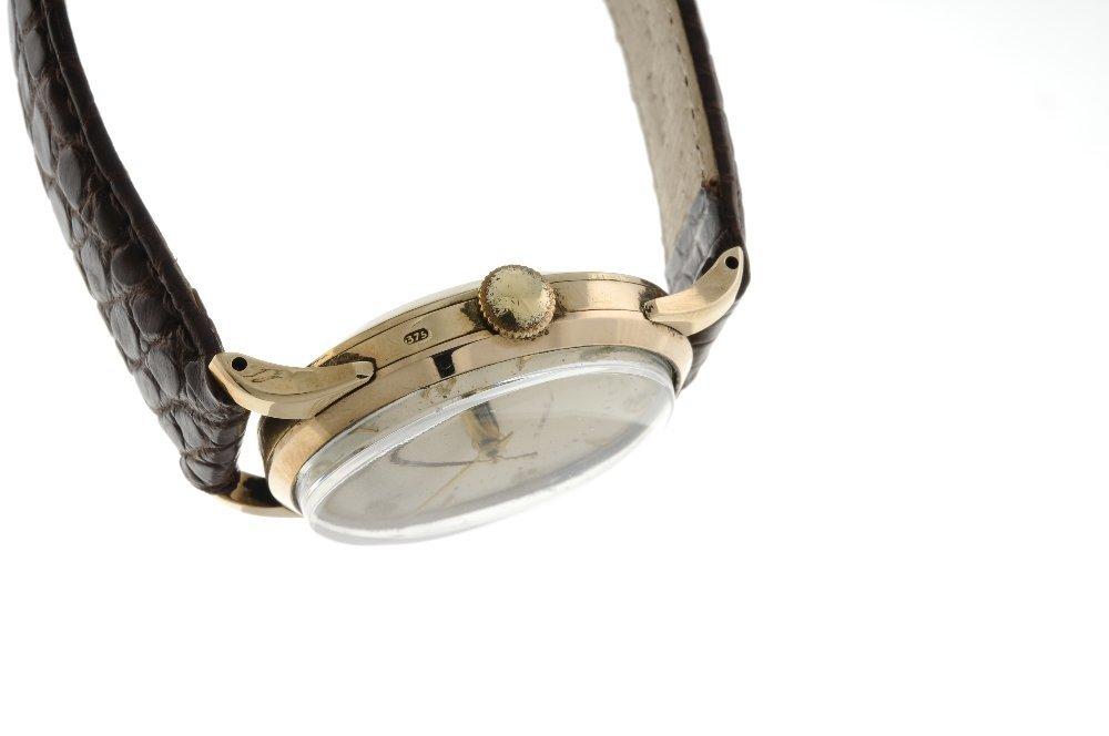 SMITHS - a gentleman's De Luxe wrist watch. 9ct yellow - 3