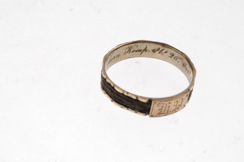 A late Georgian ring and an early Victorian ring. The - 5
