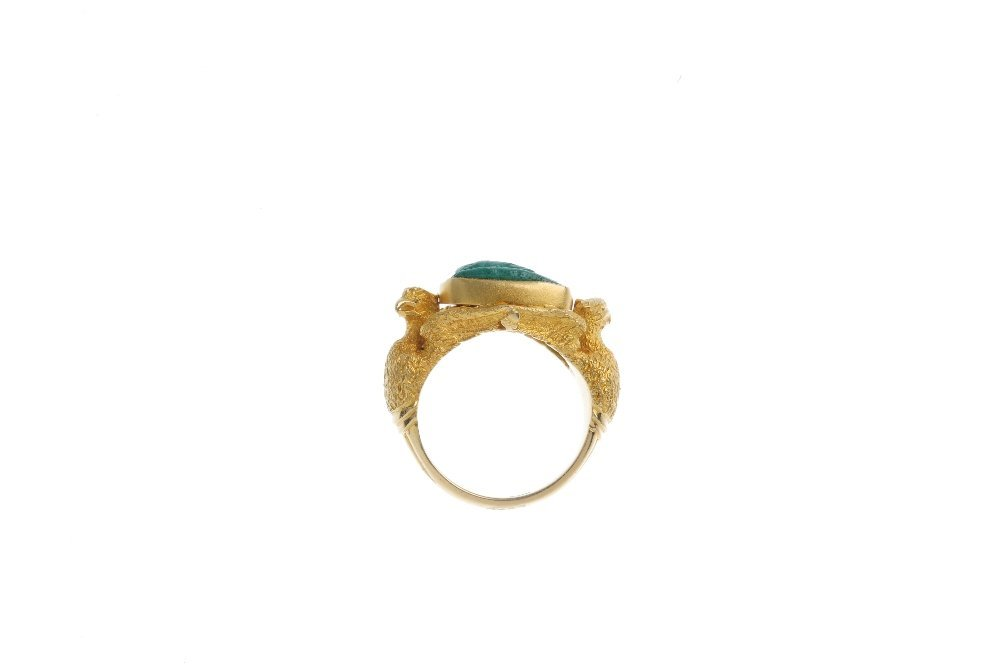 A late 19th century 18ct gold carved malachite ring. - 2