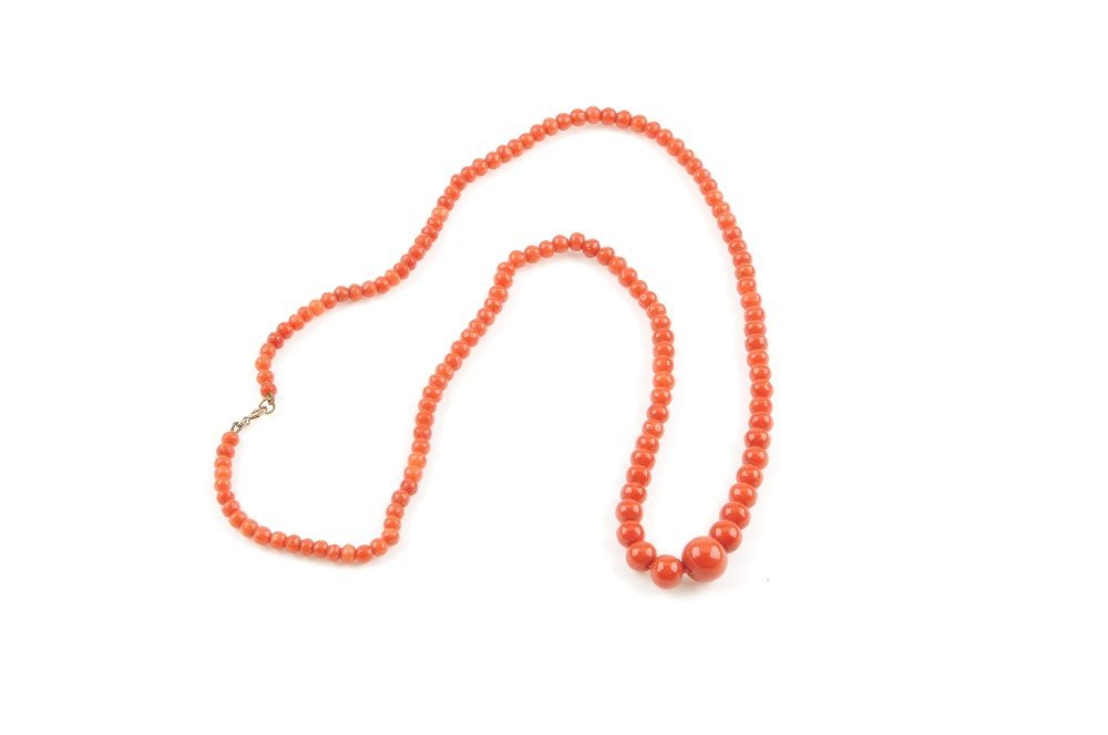 A coral bead necklace. Designed as a single-row of - 3