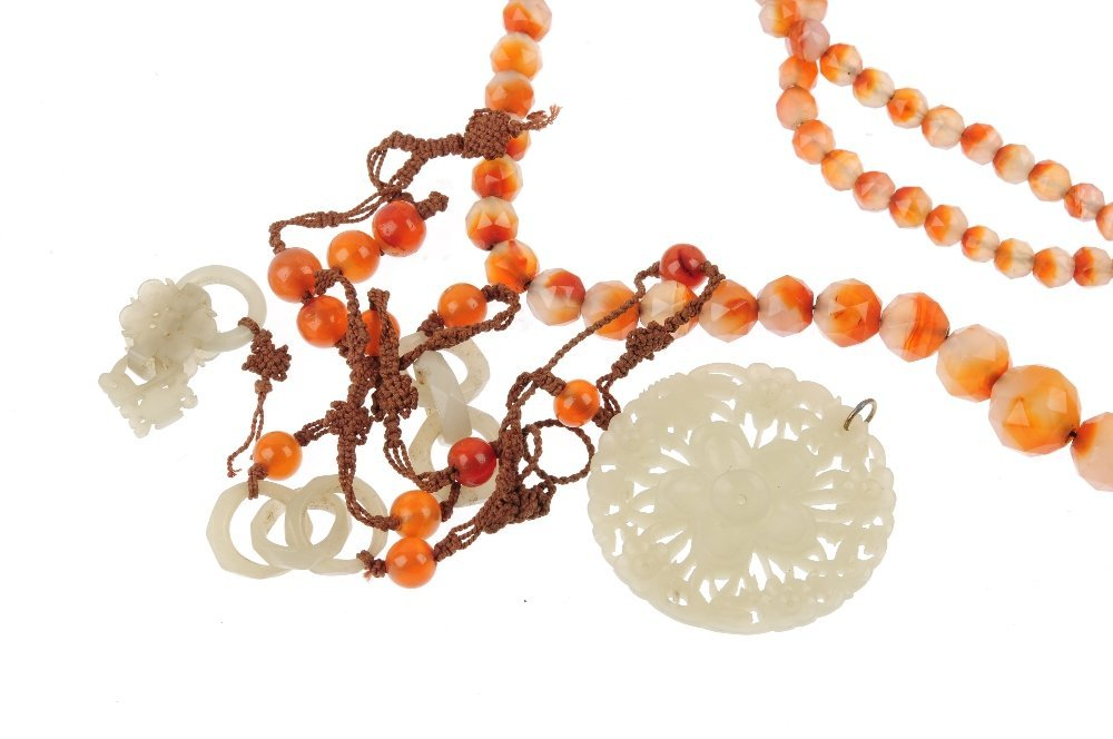 Four items of gem jewellery. To include an agate - 2