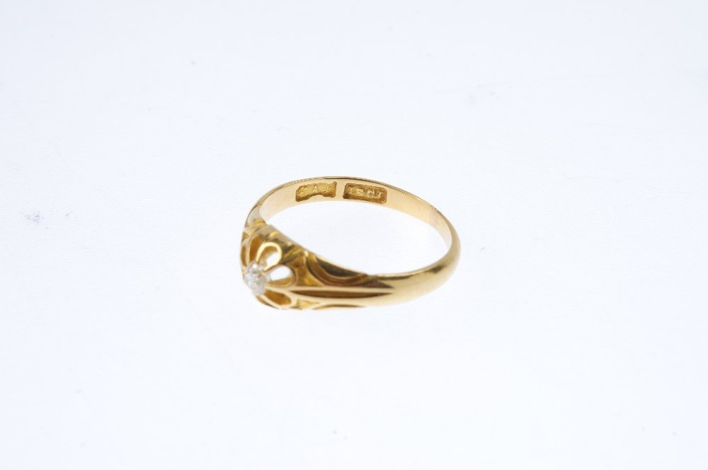 An early 20th century 18ct gold diamond single-stone - 3