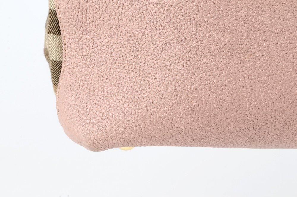 BURBERRY - a Medium Banner tote handbag. Designed with - 3