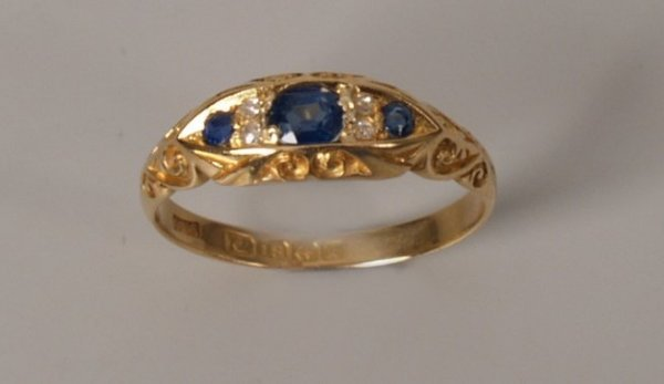 3: Edwardian 18ct gold sapphire and diamond ring with t