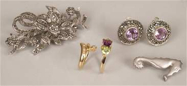 120: Five items of jewellery to include an 18ct gold di