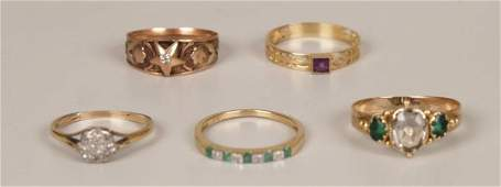 309: Five rings, to include a 9ct gold emerald and diam