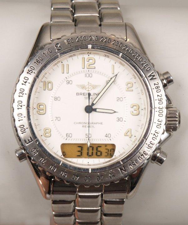 1006: BREITLING - a stainless steel quartz Chronographe