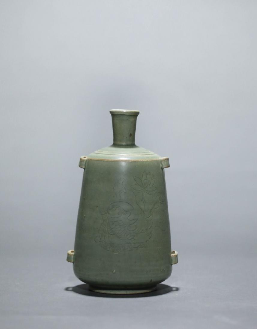 green glazed lotus grain vase