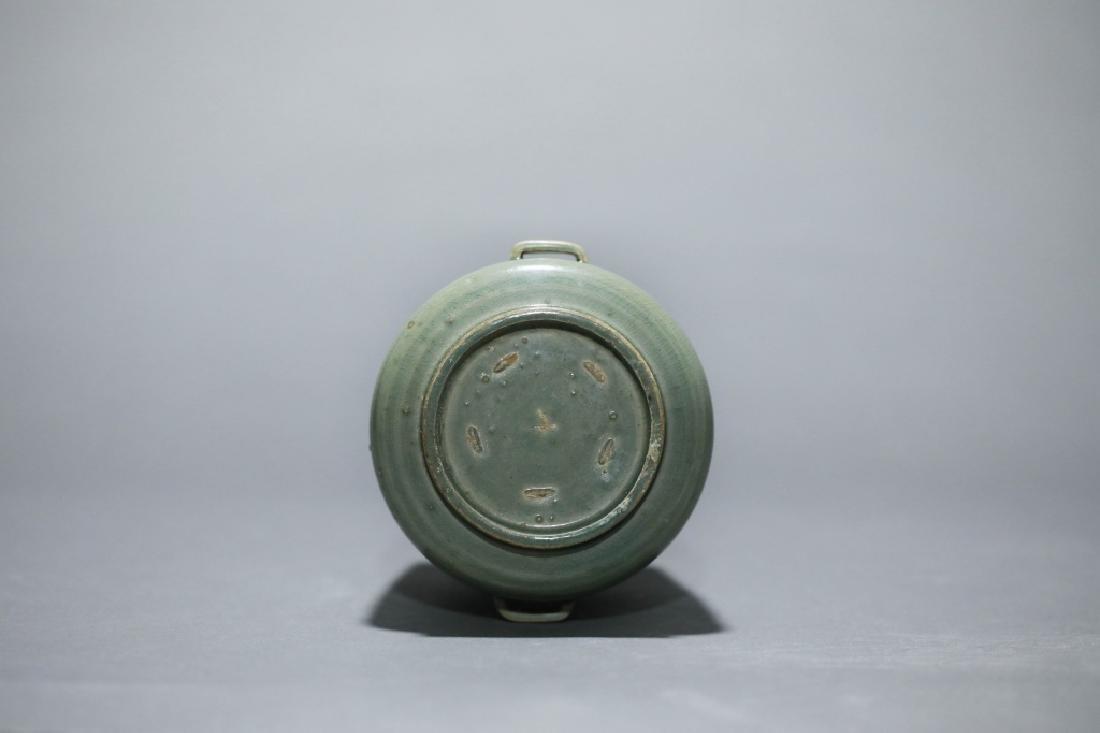 green glazed lotus grain vase - 3