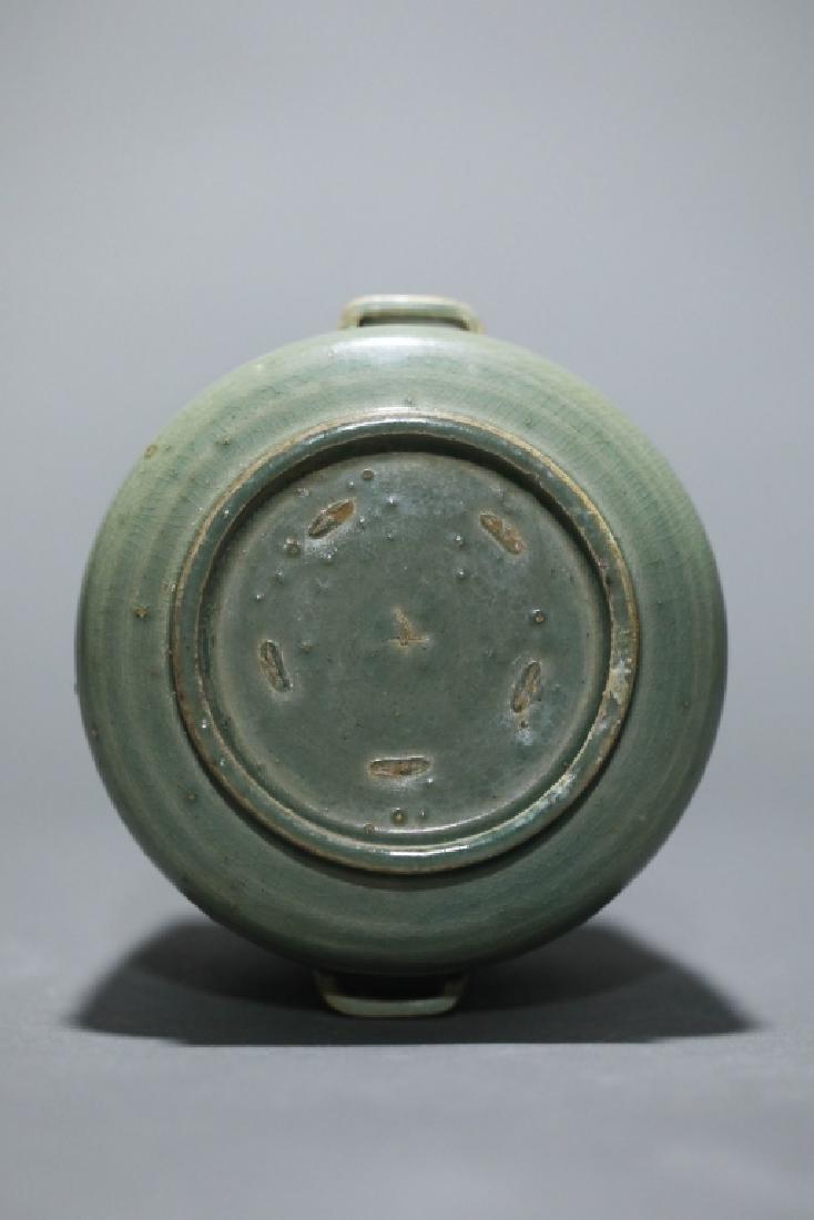 green glazed lotus grain vase - 4